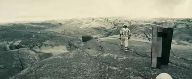 Interstellar-Walking-Monolith-Robot